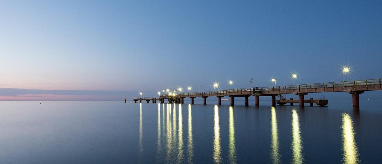 sea-bridge-1031889_1280